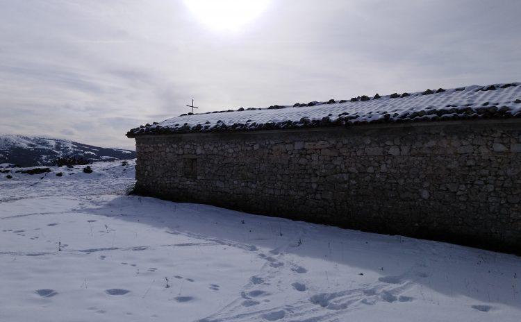 SAN CLEMENTE IN FRATTA: INCONTRO CON UNA CHIESA RUPESTRE ALLE PENDICI DEL GRAN SASSO (AQ)
