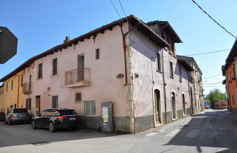 Palazzo Palanza a Sassa (L'Aquila)