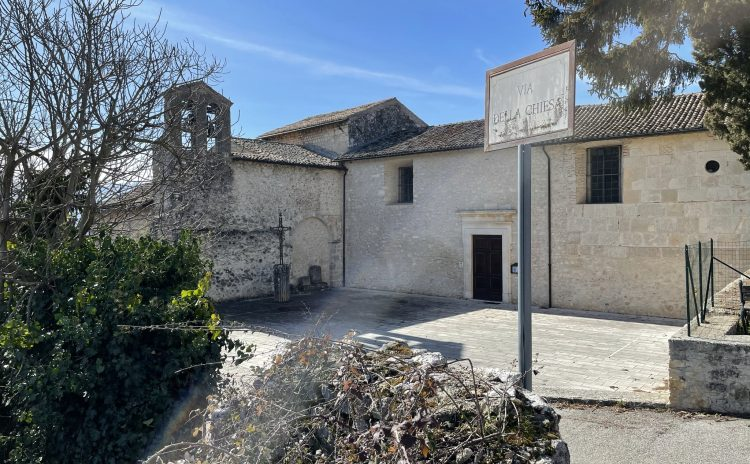 La Chiesa di S. Michele Arcangelo e Catacombe di S. Vittorino (AQ)
